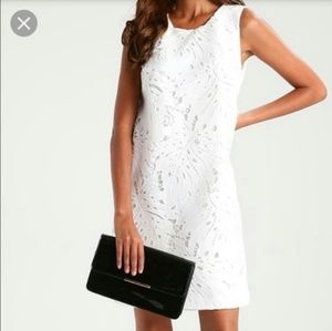 Banana republic white leaf lace sleeves dress